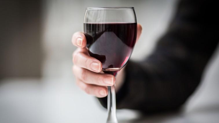 Kako uživanje alkohola vpliva na vaše telo? (foto: Profimedia)