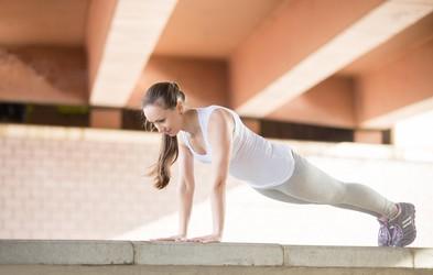 Preizkusite preproste joga položaje, s katerimi boste izboljšali svojo držo
