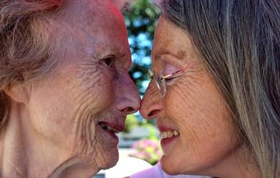 EMA že pregleduje zdravilo za Alzheimerjevo bolezen: število bolnikov, predvsem žensk, strmo narašča!
