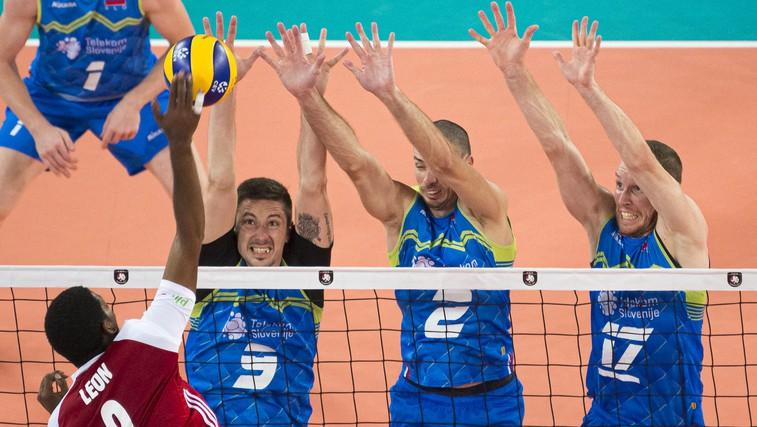 Slovenija je v finalu! Odbojkarji v dramatični tekmi premagali zelo motivirane Poljake (foto: profimedia)