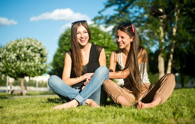 Zakaj bi morala vsaka ženska imeti prijateljico, ki je po horoskopu devica?