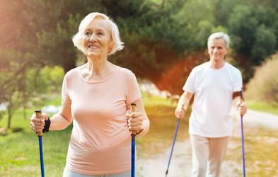 5 znanstvenih razlogov, zakaj hoja preprečuje staranje možganov
