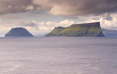 Ste že slišali za otok, na katerem živi le 10 ljudi? Zares obstaja in nahaja se v Evropi!