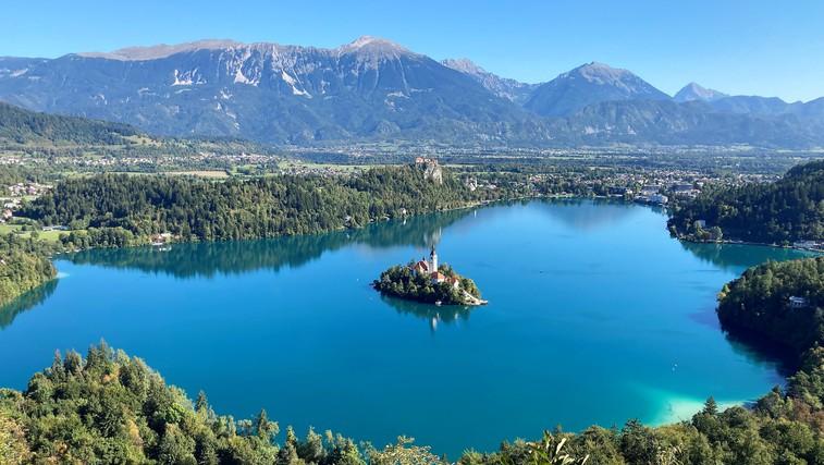 Popoln izlet: Mala Osojnica ima najlepši razgled v Sloveniji, Bled pa najboljše kremšnite (foto: DDD)