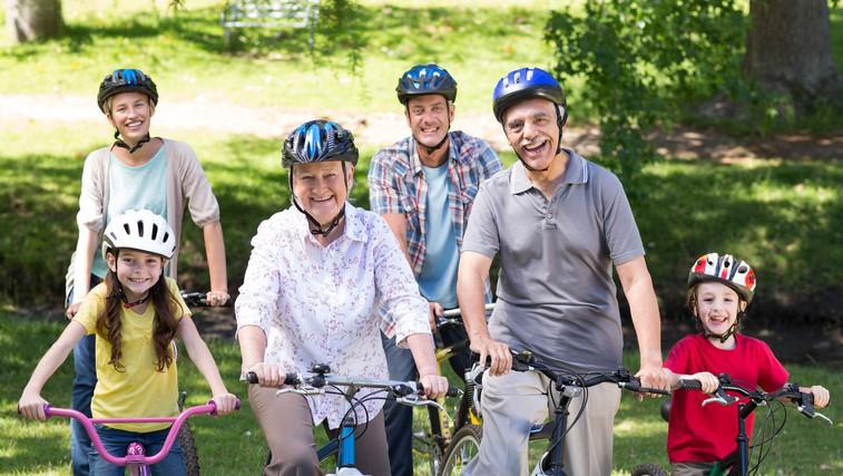 Aktivna naj bo vsa družina! Število ljudi s prekomerno telesno težo se je podvojilo (foto: profimedia)