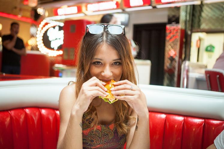 PREGANJAJO VAS DIETE IZ PRETEKLOSTI Ste preizkusili že veliko diet, vse so bile različne, a so od vas zahtevale malo …
