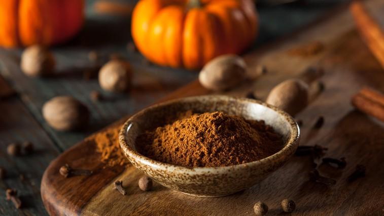 Pumpkin spice: TAKO enostavno to začimbo naredite doma (+ recept za slastno kavo pumpkin spice latte) (foto: Profimedia)