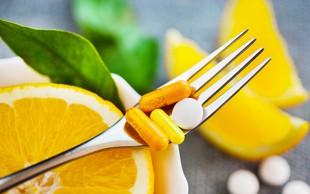 Strokovnjaki predlagajo, da priporočeni dnevni vnos vitamina C podvojimo - v katerih živilih se skriva?
