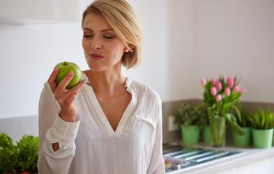 Zakaj jabolk ni dobro jesti po 18. uri