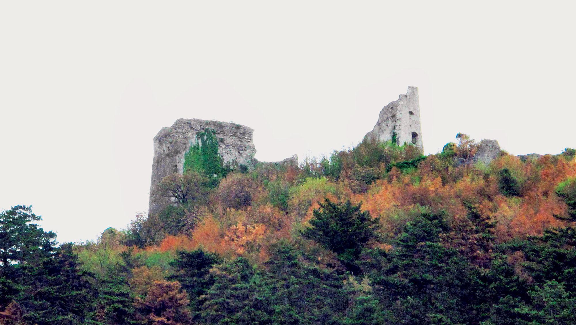 Stari vipavski grad