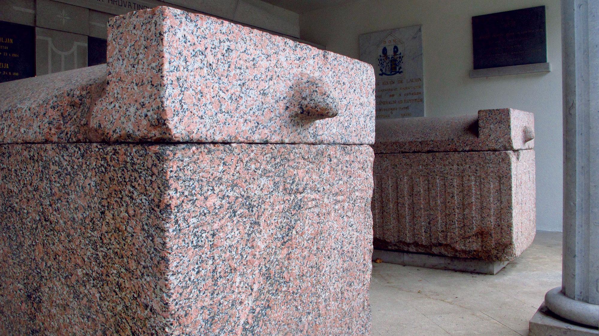 Vipava - sarkofaga