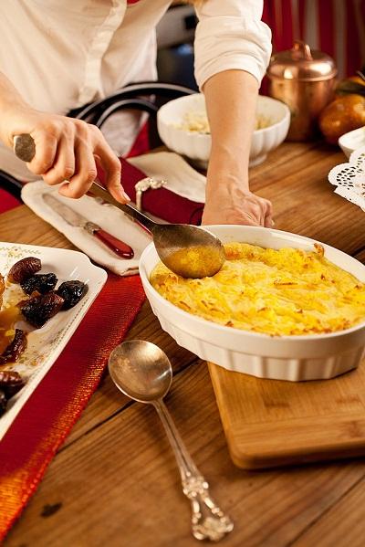 Gratiniran krompirjev pire s sirom